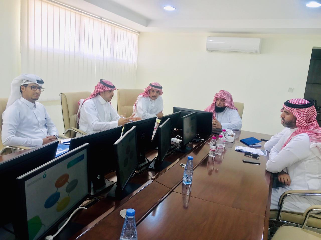 ممثلين من بنك التنمية الاجتماعية بالمنطقة الشرقية في زيارة للجمعية